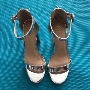 Oliva F silver stilettos